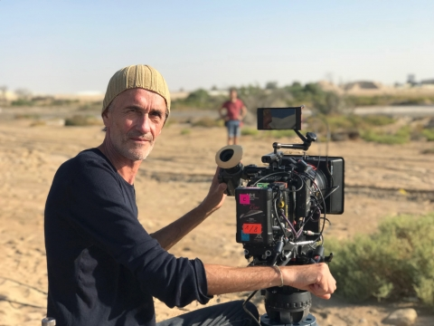 Samuel Doux movie Dune Dreams; Arri Alexa Mini and StarliteHD working steadily in the heat and sandy wind of Dubai, 2019